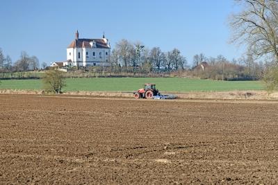 Kompaktor - příprava půdy pro cibuli a zelí (28. 3.)